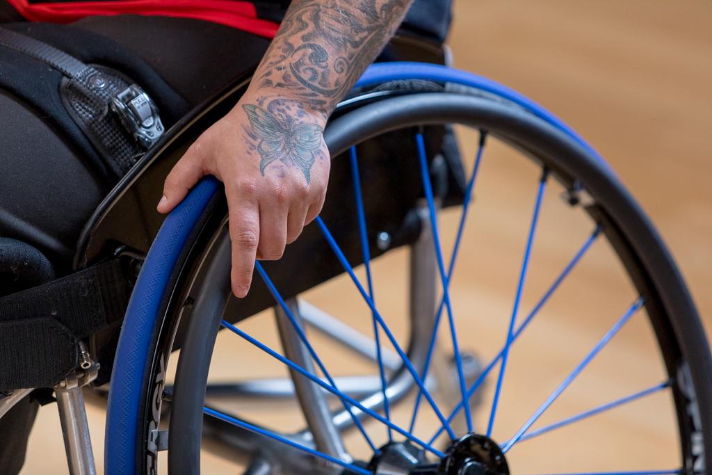 Cynthia Mathez: Selbstbestimmt trotz Rollstuhl